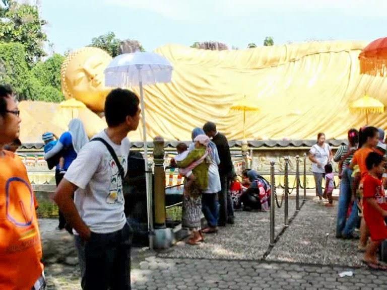 Patung Budha Tidur Maha Vihara Trowulan Jadi Wisata Alternatif Mojokerto