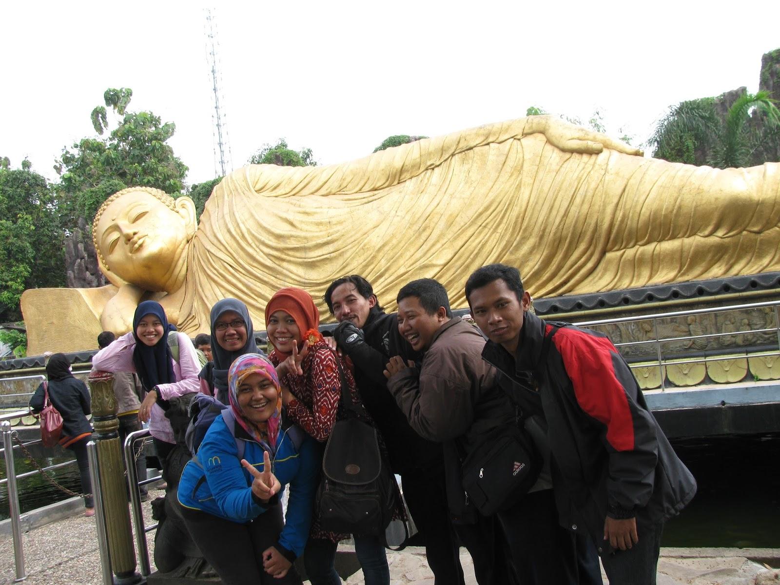 Patung Budha Tidur Trowulan Esok Hari Nanti Kab Mojokerto