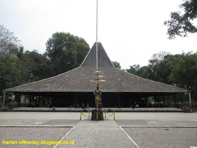 Jakarta 45 Menyusuri Jalanan Desa Selebar 15 Meter Menuju Lokasi