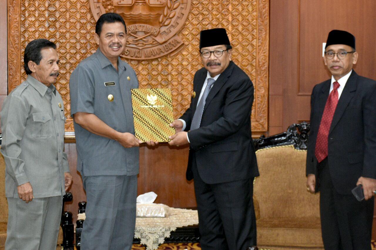 Mojokertokab Id Wakil Bupati Mojokerto Terima Spt Gubernur Jatim Pendopo