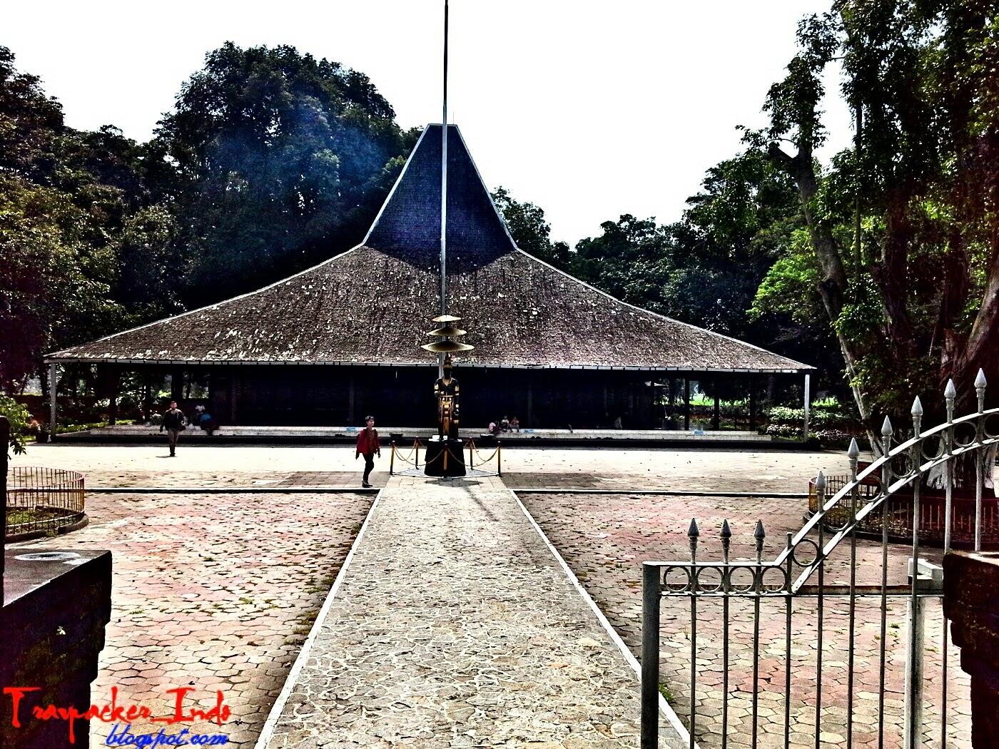 Sejarah Pendopo Agung Trowulan Mojokerto Kab