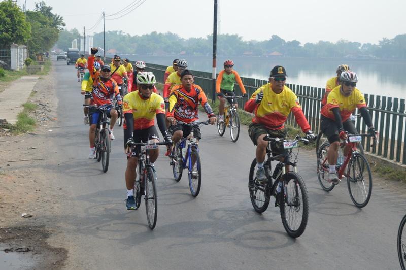 Sembilan Titik Start Road Bike Hut 72 Tni Finish Pendopo