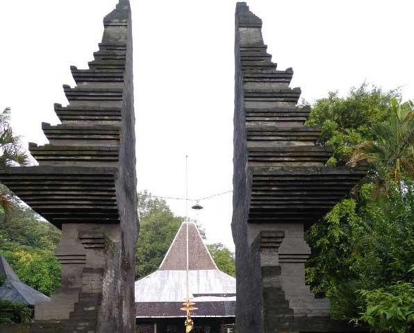 Tempat Wisata Mojokerto Terbaru 2018 Menarik Kunjungi Pendopo Agung Trowulan