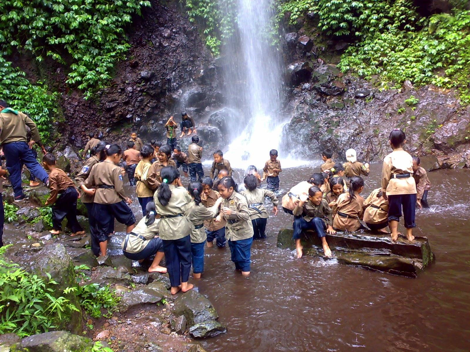 Wisata Trawas Mojokerto Air Terjun Dlundung Akhmad Faizal Reviews Alam