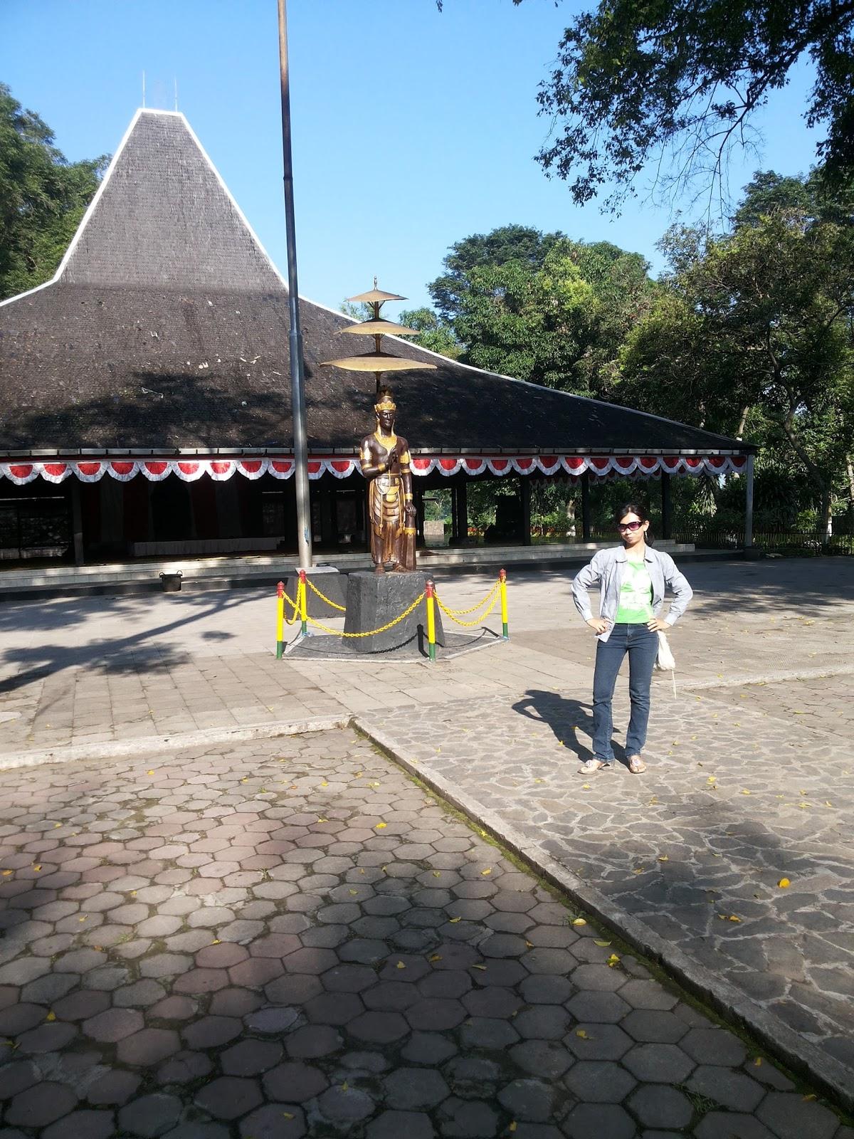 Homeland Tempat Wisata Kotaku Mojokerto Candi Terletak Sekitar Wilayah Taman