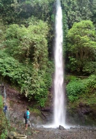 Tempat Wisata Pacet Trawas Mojokerto Memikat Air Terjun Grenjengan Salah