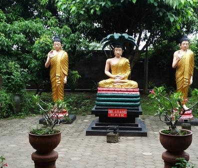 Tempat Wisata Pacet Trawas Mojokerto Memikat Maha Vihara Mojopahit Bangunan