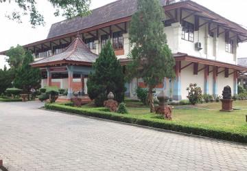 Wisata Buatan Badan Promosi Pariwisata Daerah Kabupaten Mojokerto Museum Trowulan