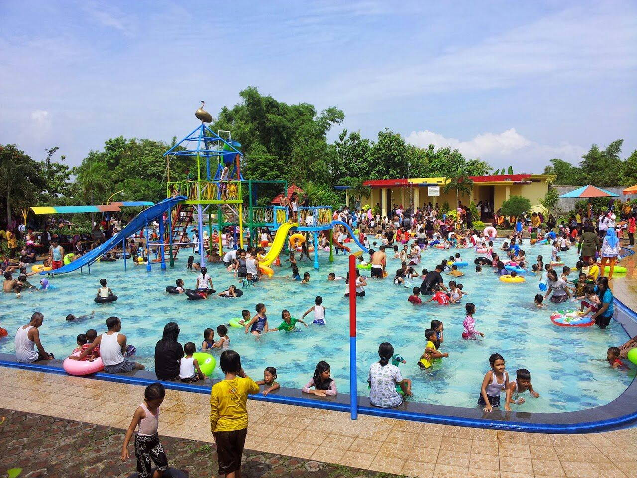 7 Tempat Wisata Air Keluarga Recommended Wisataairbalekambang Blogspot Id Taman