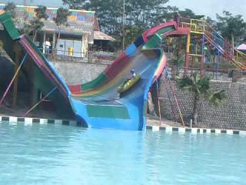 Wisata Pacet Mojokerto Joglo Park Wahana Rumah Makan Travelerbase Traveling