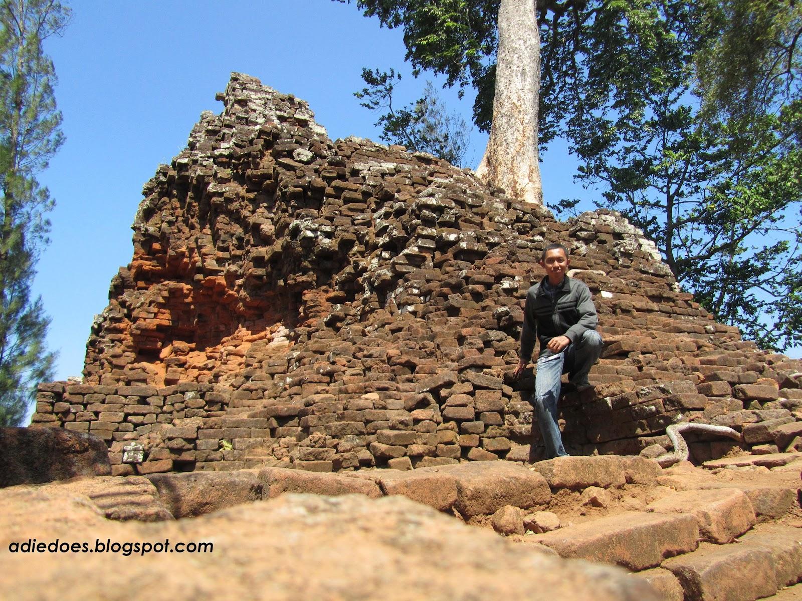 Adie Angkor Wat Nganjuk Monumen Jayastamba Candi Lor Kab