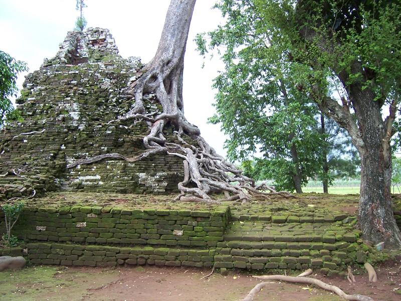 Travel Jelajahi Indahnya Nusantara Travelling Candi Lor Bangunan Terbuat Batu