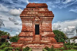 Obyek Wisata Sejarah Candi Ngetos Nganjuk Kab
