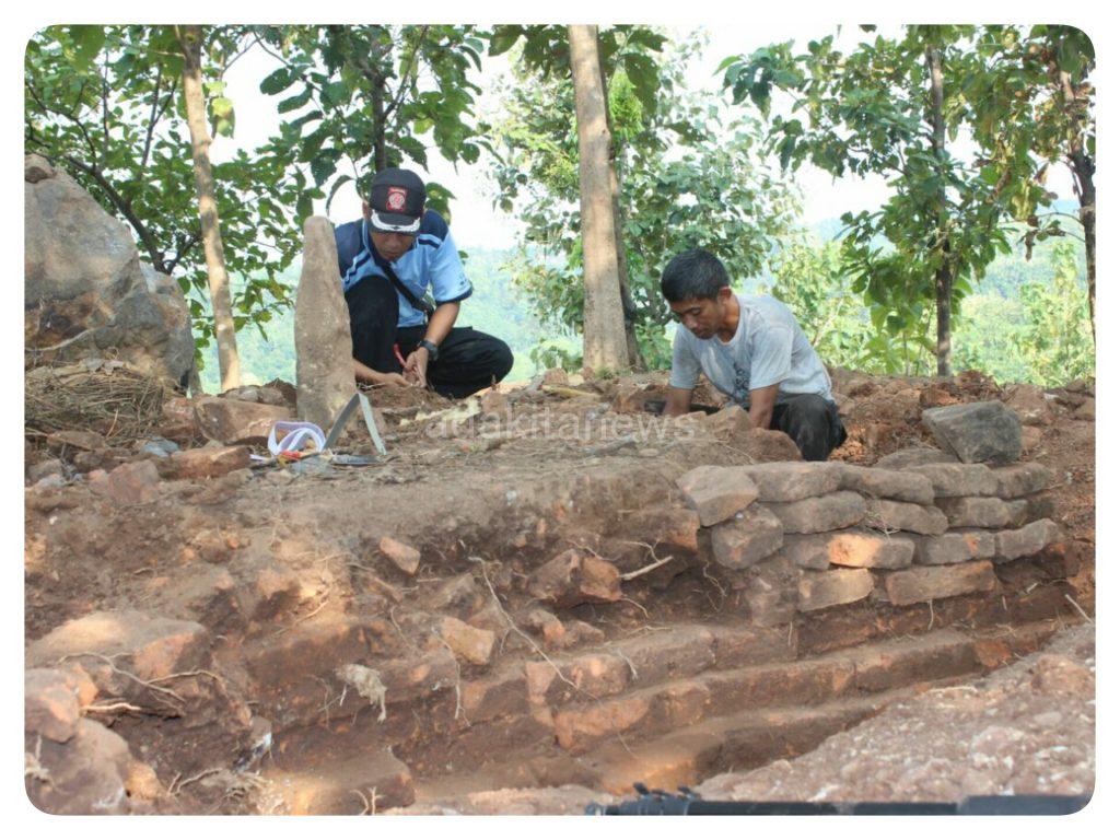 Penemuan Candi Ngetos Adakitanews Nganjuk Bangunan Diduga Struktur Ditemukan Desa
