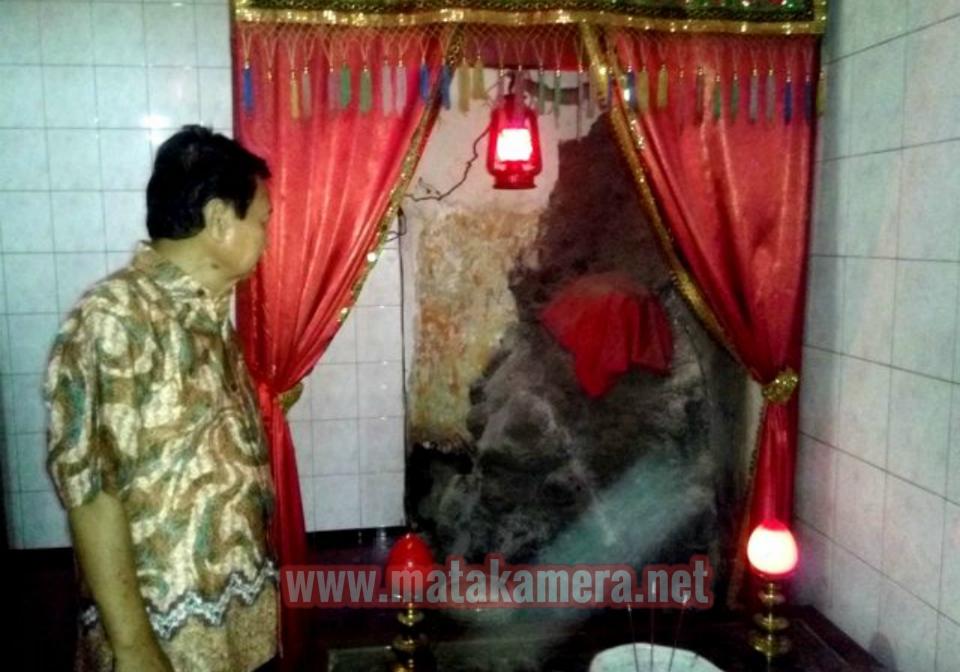 Asal Muasal Penghuni Misterius Kuil Raja Semut Sukomoro Altar Pemujaan