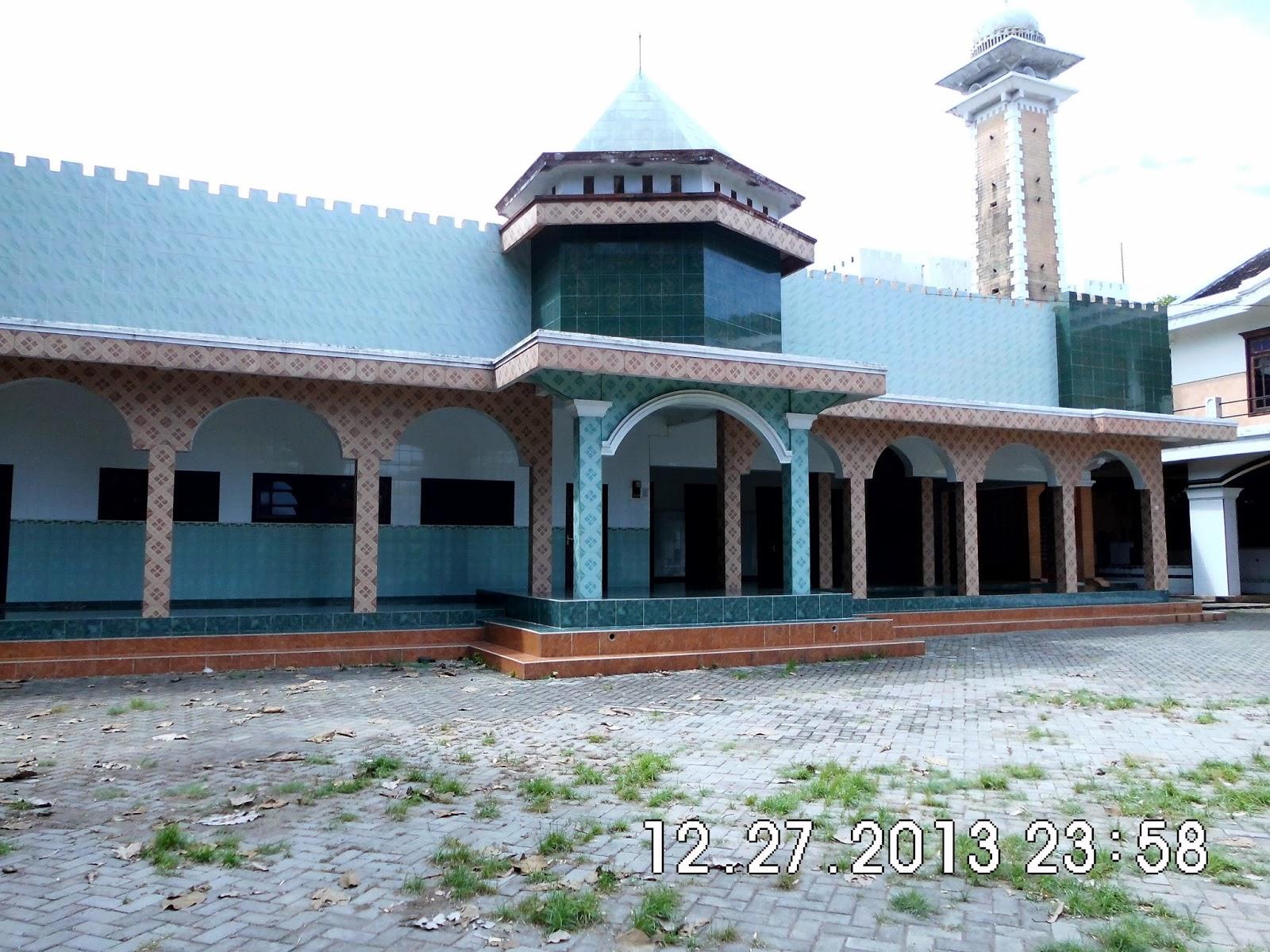 Hadi Net Berziarah Makam Soleh Nganjuk Masjid Kemaduh Baron Kanjeng