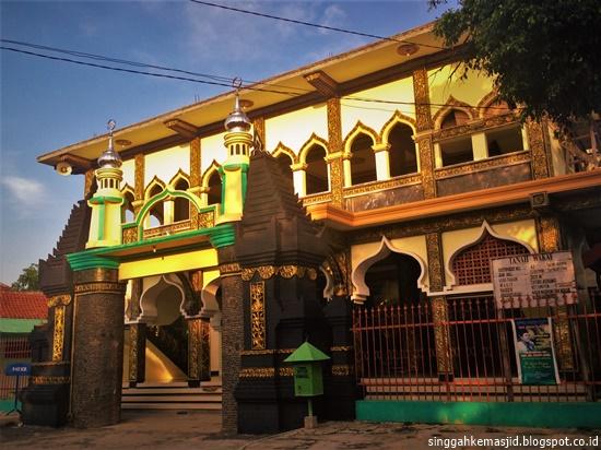 Singgah Masjid Al Mubarok Berbek Tertua Kabupaten Nganjuk Makam Kanjeng