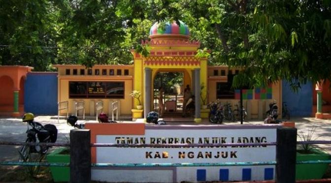 Pariwisata Nganjuk Baswara Yudha Karana Masjid Yoni Al Mubarok Taman