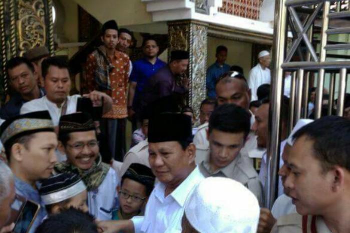 Prabowo Shalat Jumat Masjid Al Mubarok Berbek Histori Bersilaturahmi Jemaah