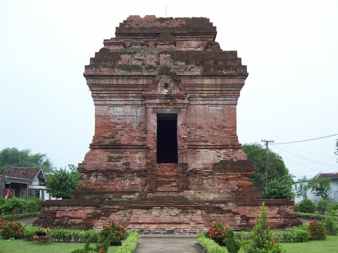 10 Tempat Wisata Nganjuk Dikunjungi 2 Candi Ngetos Monumen Dr