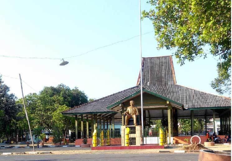 21 Tempat Wisata Nganjuk Terbaru Menarik Halo Ngawi Monumen Dr