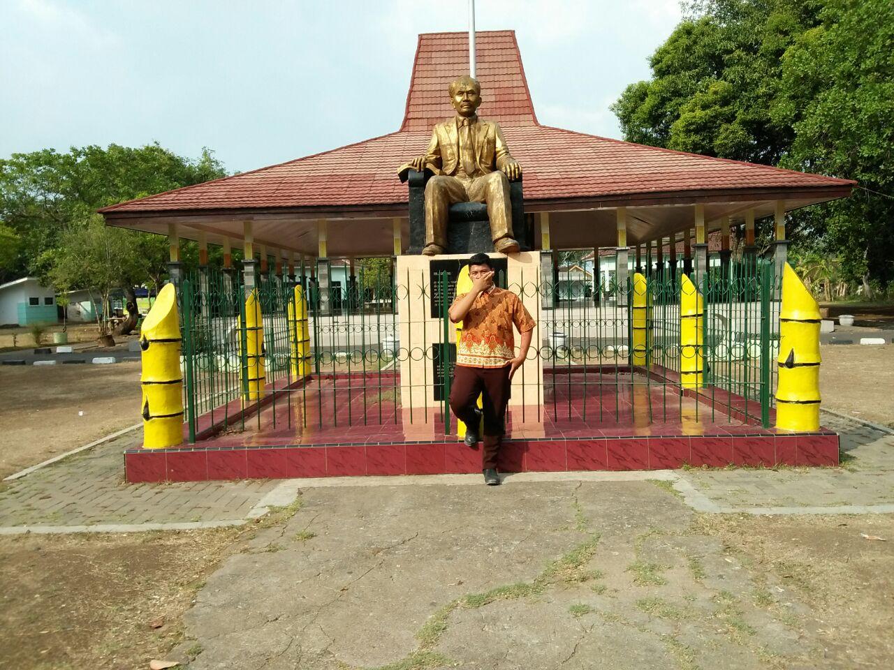 Argan Arek Gandu Wisata Monumen Dr Soetomo Kab Nganjuk