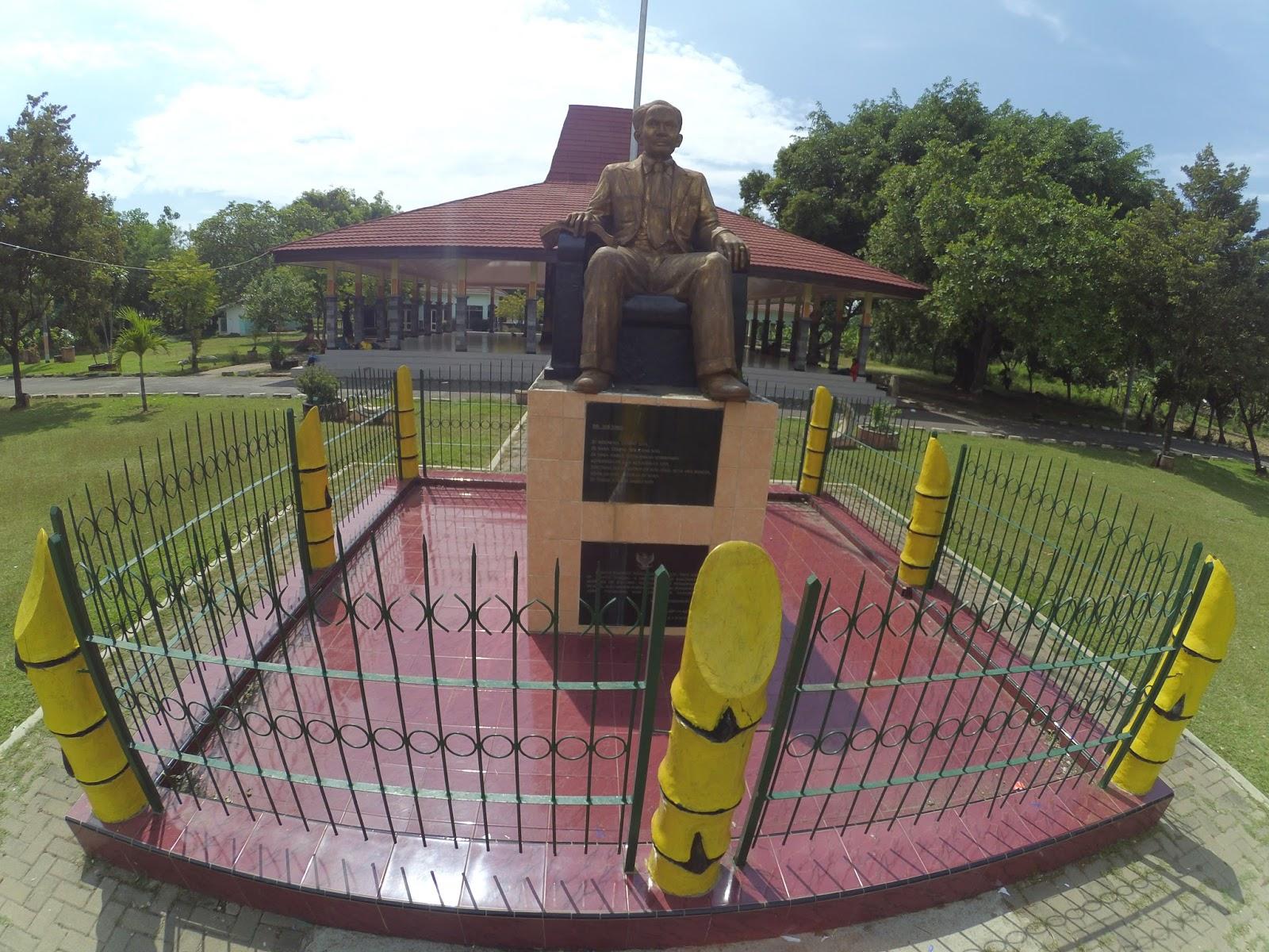 Monumen Dr Soetomo Kota Kabupaten Nganjuk Wisata Kuliner Tak Jauh