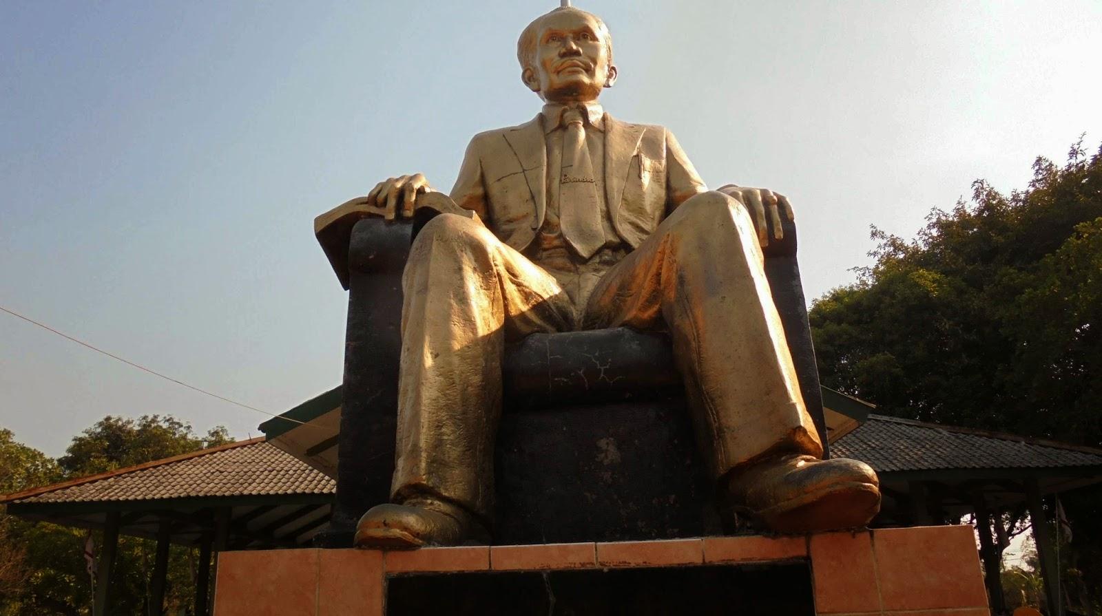 Mtsn Lengkong Nganjuk Gladian Pimpinan Regu Penggalang 2014 Bertempat Monument