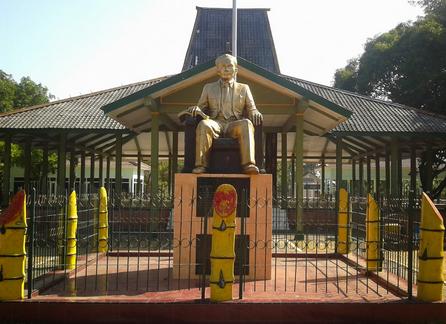 Pesona Keindahan Wisata Monumen Dr Soetomo Nganjuk Daftar Tempat Kab