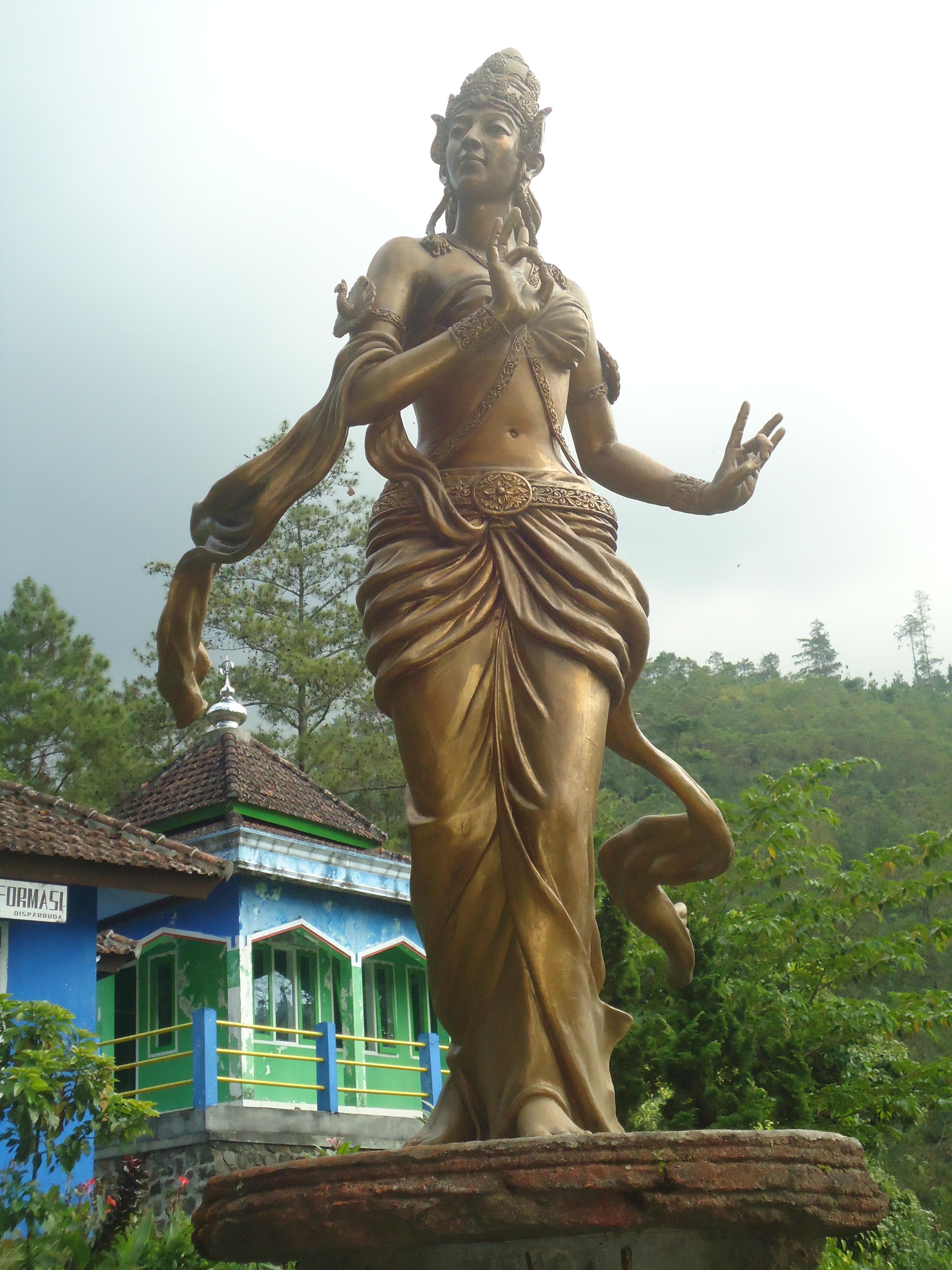 Air Merambat Roro Kuning Museum Online Kabupaten Nganjuk Patung Monumen