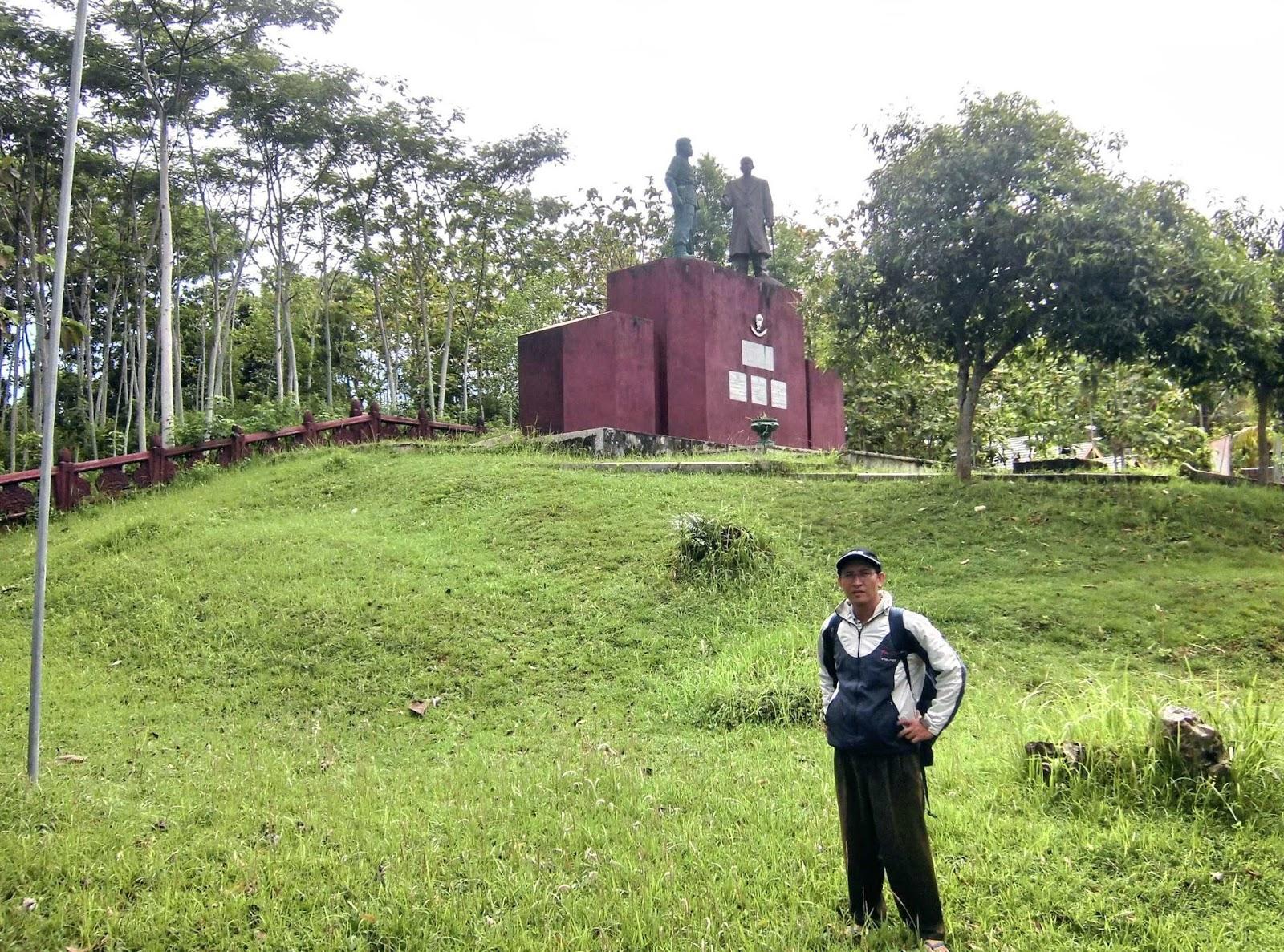 Firdaus Ubaidillah Monumen Tumpak Rinjing Pacitan Jawa Timur Menandai Rute
