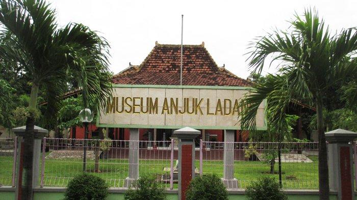Memuseumkan Museum Anjuk Ladang Nganjuk Surya Musium Kab