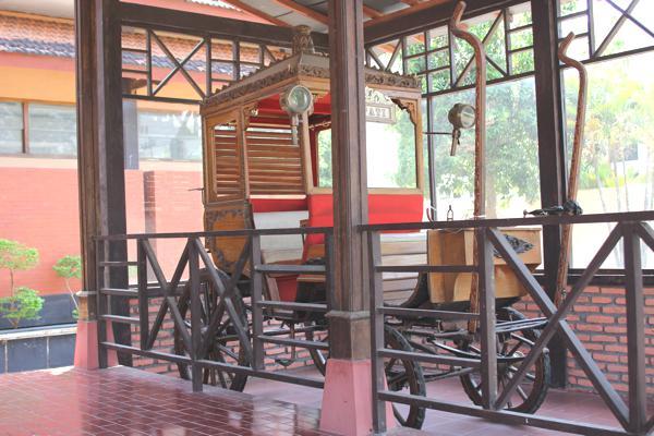 Nganjuk Tourism Anjuk Ladang Museum 6 Images Gallery Museum1 7