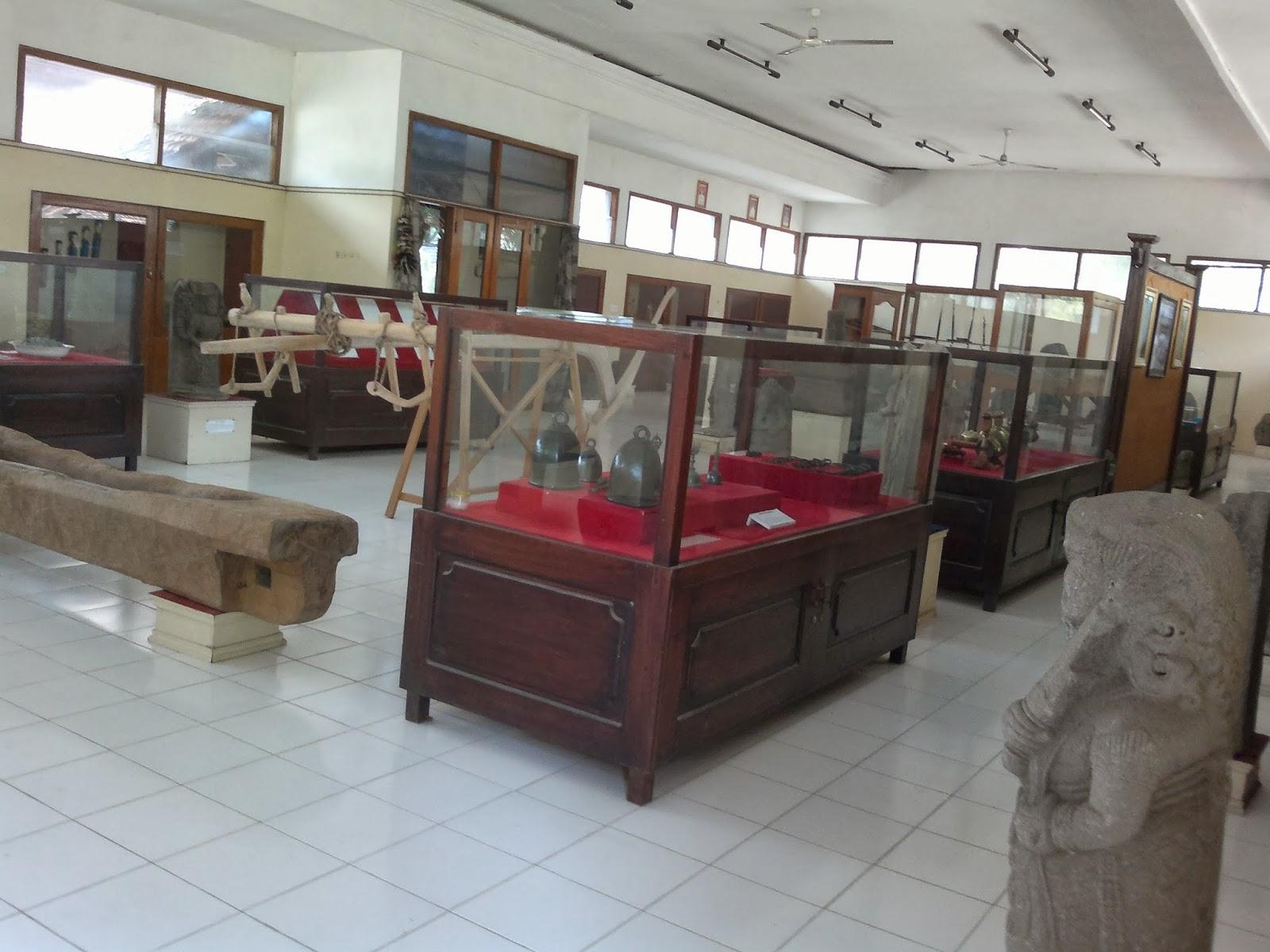 Tempat Wisata Nganjuk Embun Pagi Bee Foto Http Rekonstruksisejarah Blogspot
