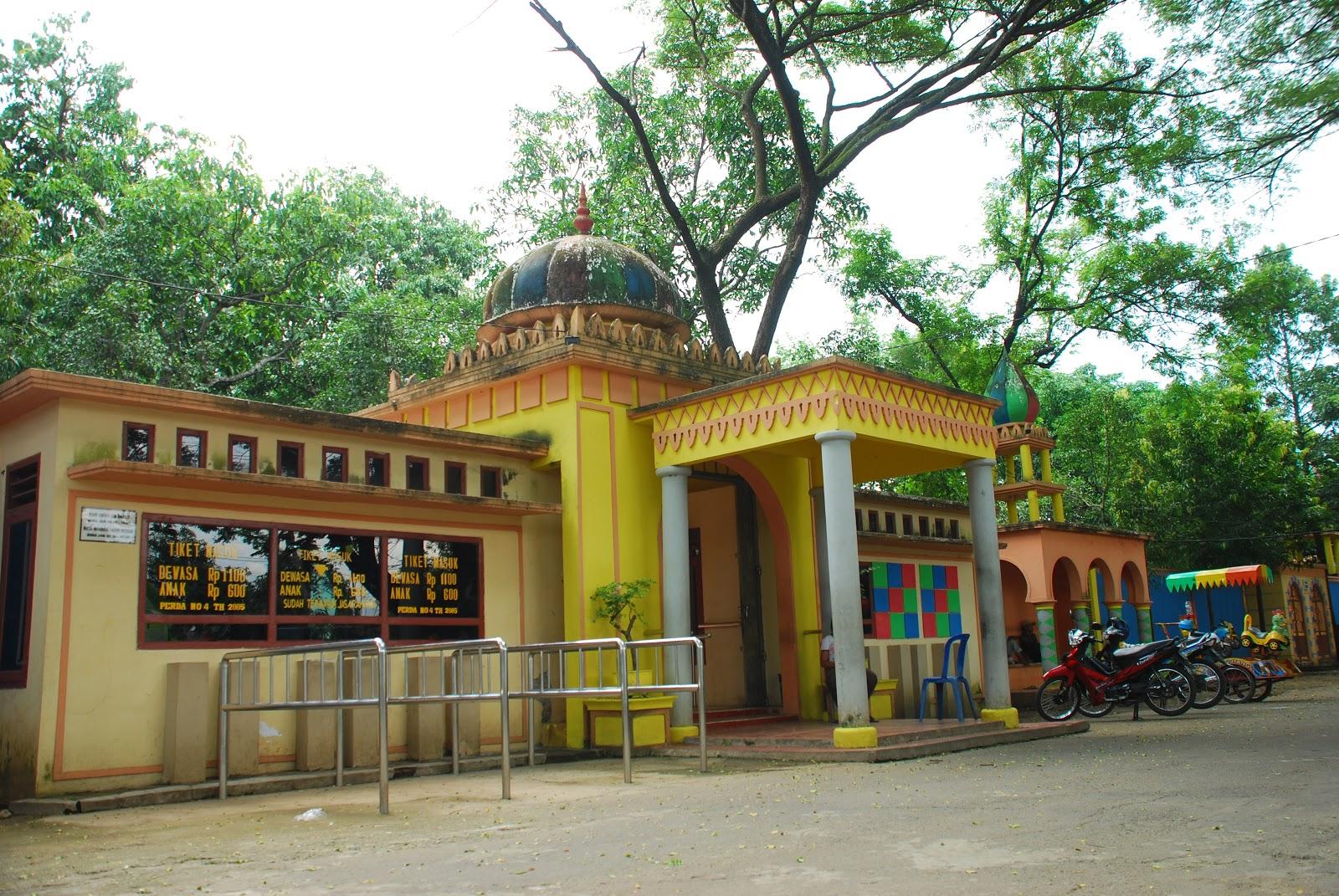 Tempat Wisata Nganjuk Embun Pagi Bee Foto Http Traveltouring Blogspot