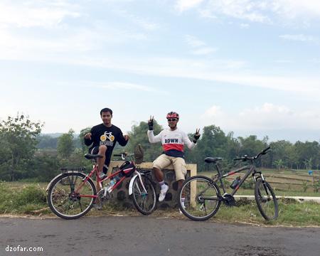 Sepedahan Candi Ngetos Klodan Pura Kerta Bhuwana Giri Wilis Mojoduwur