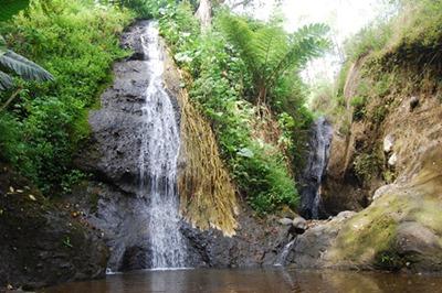 22 Tempat Wisata Nganjuk Terkenal Indah Air Terjun Merambat Roro