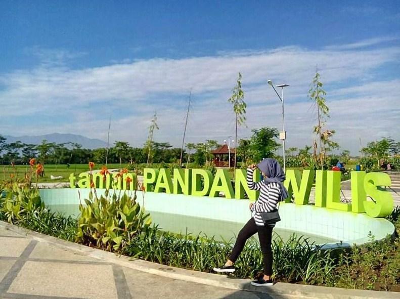 Tempat Wisata Nganjuk Hits Keren Cektravel Info Taman Pandan Wilis