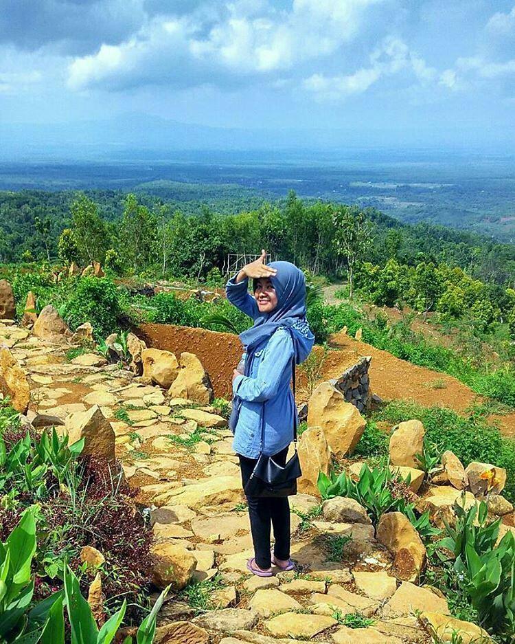 Tempat Wisata Nganjuk Populer 2018 Bukit Batu Songgong Taman Air
