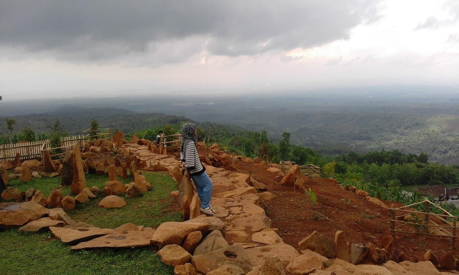 Bukit Batu Margopatut Wisata Kabupaten Nganjuk Giliran Bertema Pemandangan Alam