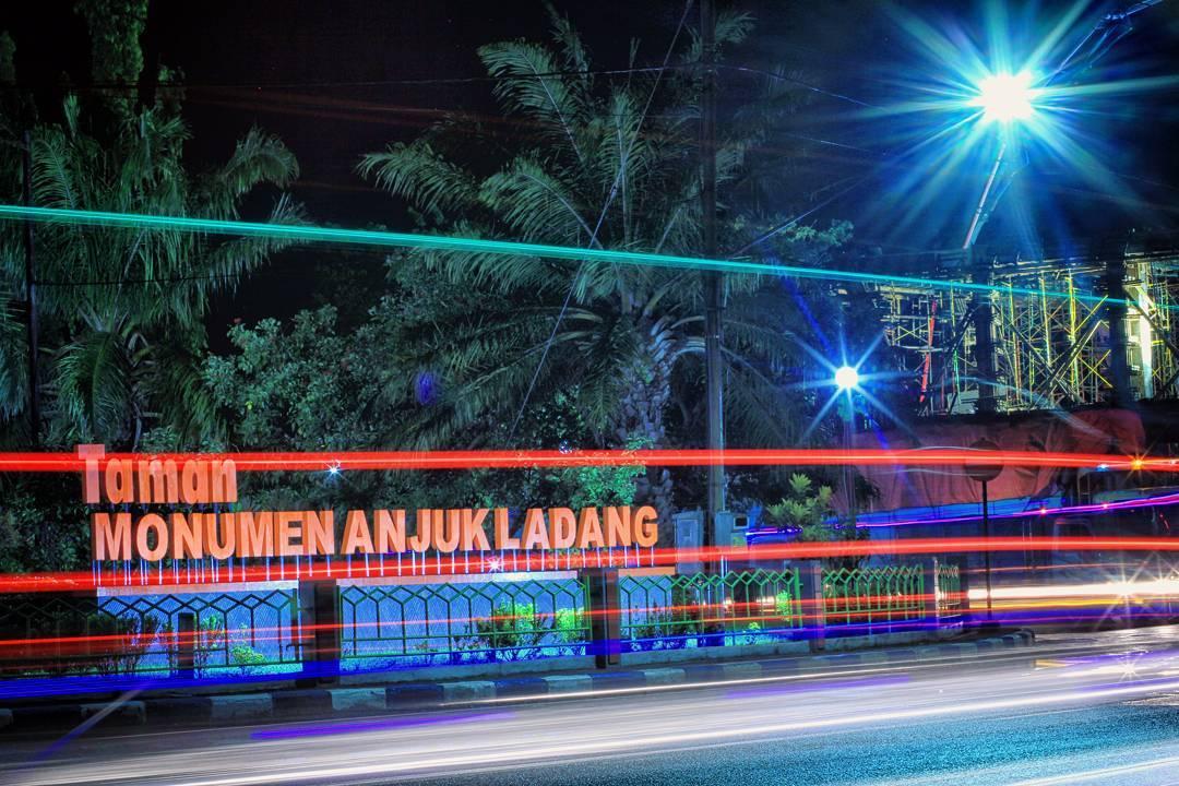 Tempat Wisata Nganjuk Populer 2018 Taman Monumen Anjuk Ladang Kota