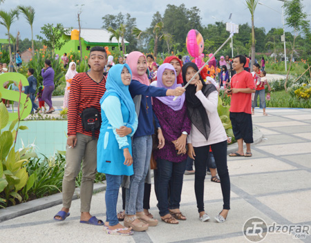 Wisata Nganjuk Taman Pandan Wilis Vectoria Jenaka Selfie Kota Kab