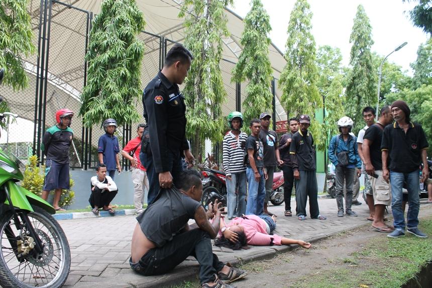 Aksi Heroik Dua Brigadir Humas Polres Ngawi Amankan Pelaku Bentrok