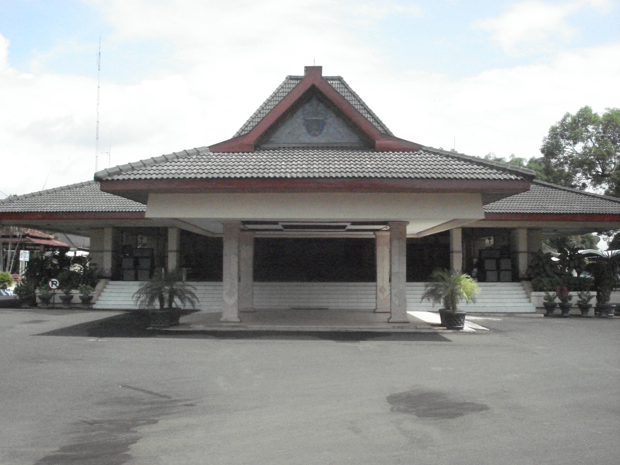 Alun Ngawi Sastrodoemilah Blog Yap Pagi Tadi Lingkungan Kantor Pemerintah