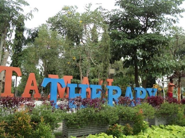 Menikmati Kemegahan Alun Ngawi Kampoengngawi Taman Therapy Kab
