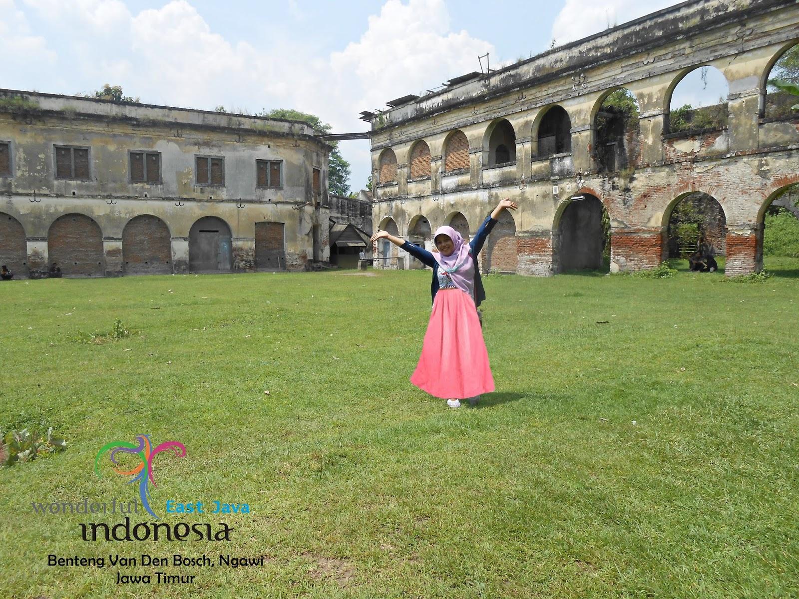 Wisata Jawa Timur Benteng Van Den Bosch Ngawi Cakra Baymax