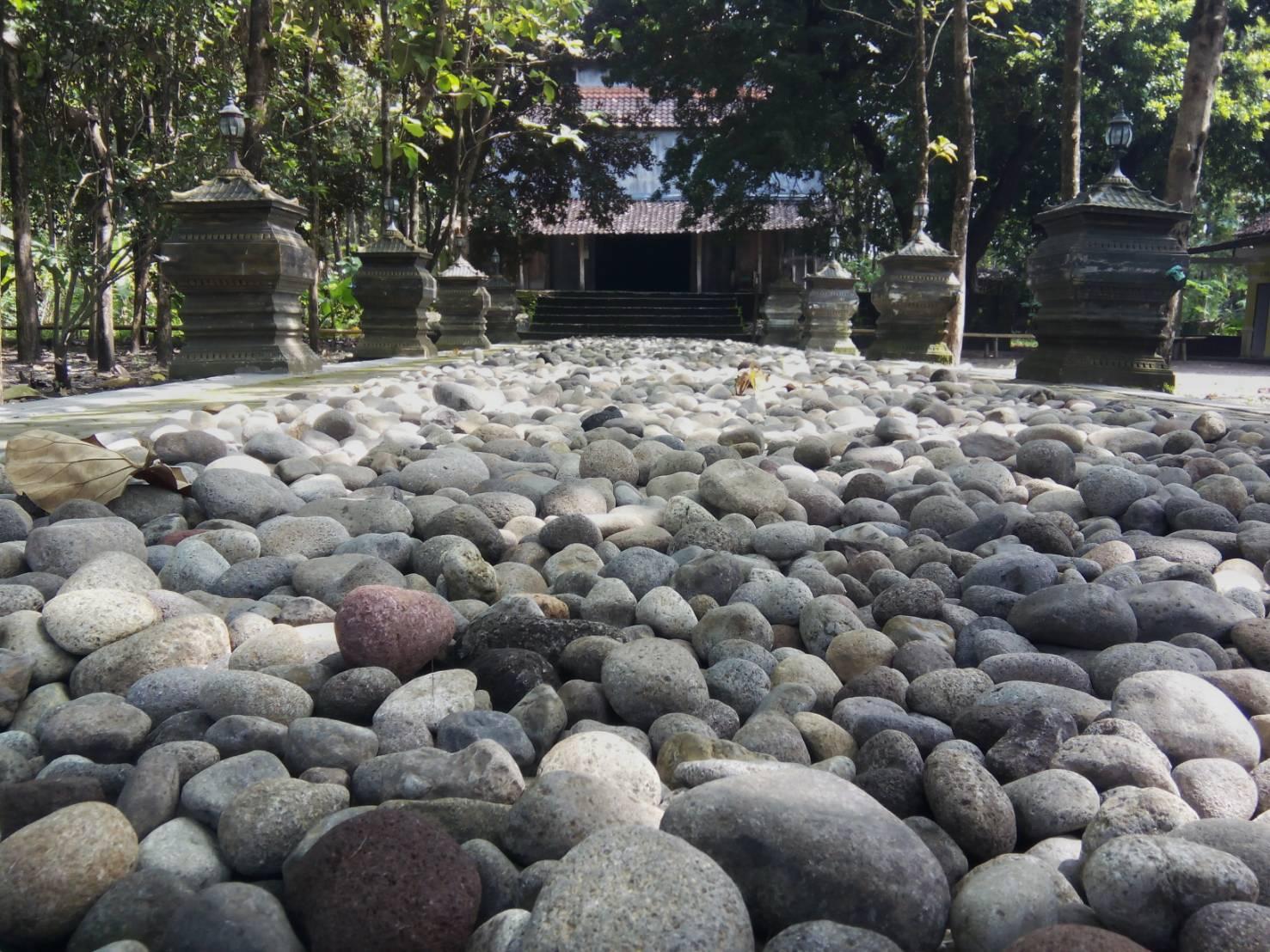 Foto Cantik Gapura Sulur Ponpes Haji Soli Mata Kodok Salah