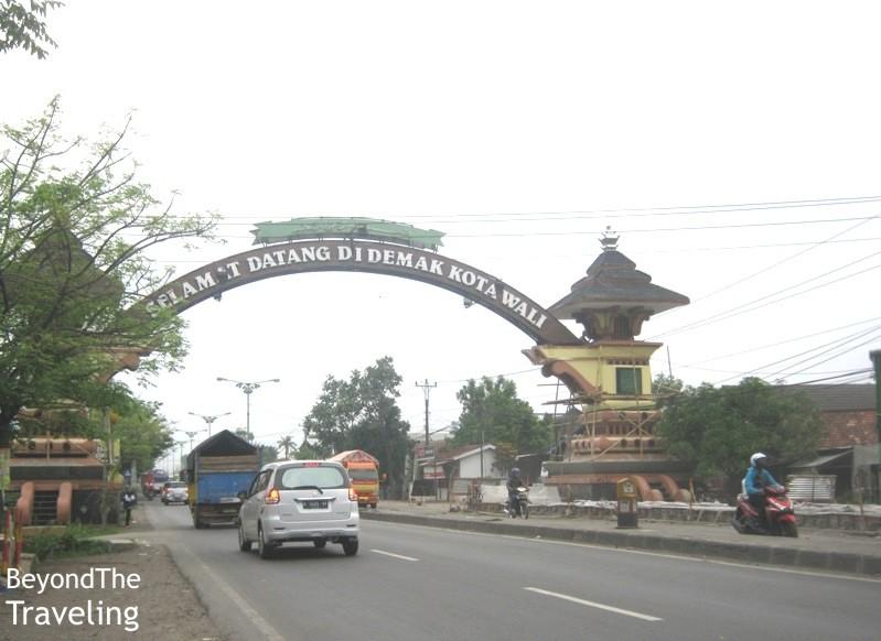 Traveling Sejenak Single Touring Ungaran Jepara Tayu Gapura Selamat Datang