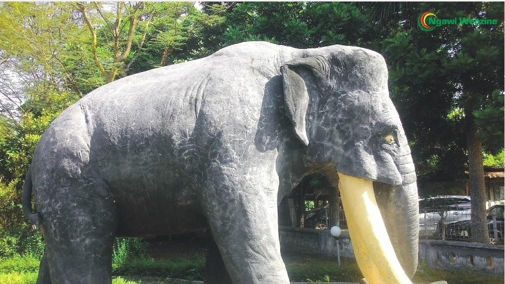 Wisata Sejarah Museum Trinil Ngawi Ramah Gerbang Masuk Menuju Patung