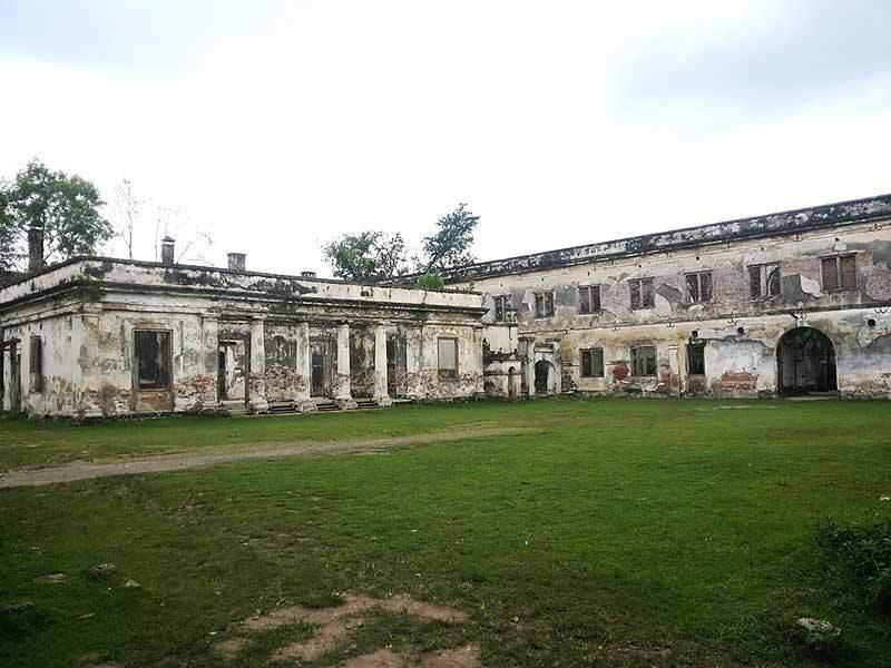 9 Tempat Wisata Ngawi Pesonanya Membuatmu Kagum Pesanggrahan Srigati Kab